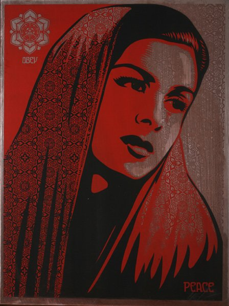 shepard-fairey-peace-mujer